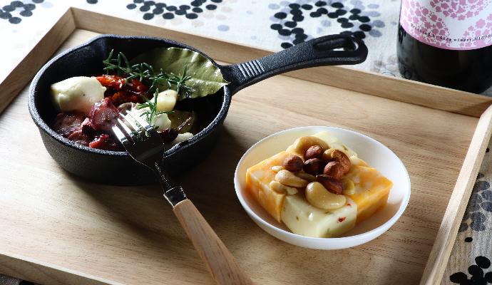 せらワイナリー セラフルールSARALI赤/ガリシア産たこ&スモークモッツァレラ・ジャックチーズのスモークナッツがけ