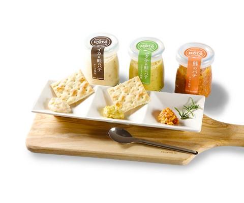北海道ワイン 鶴沼ピノ・ブラン/いか&鮭のパテ チーズ風味・鮭のパテ トマト風味・ほたて&鮭のパテ マスタード風味